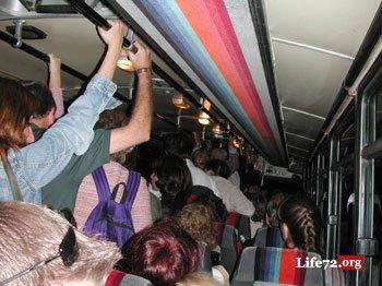 video-prizhimaniya-v-avtobuse