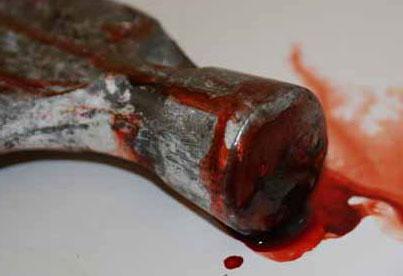 Высокодуховный садист убил двух детей молотком,пожалев яблочки в своём саду