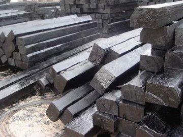 В Тобольске жители воровали железнодорожные шпалы