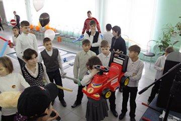 Сеть АЗС «Газпромнефть» направила на нужды школы-интерната для детей-сирот более 730 тысяч рублей