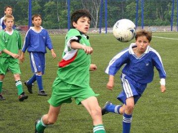 В Тюмени стартовал футбольный турнир «Кожаный Мяч»