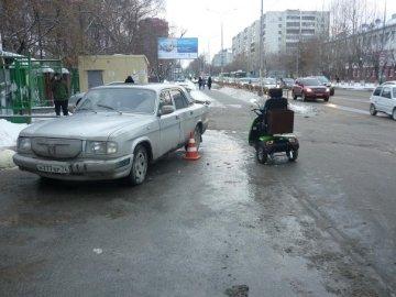 В Тюмени «Субару Легаси» врезался в стоящий самосвал, водитель иномарки погиб на месте