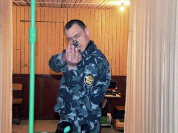 Лучше всех стреляют из ПМ сотрудники отдела специального назначения областного УФСИН