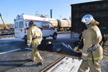 Тобольские пожарные провели учения на железной дороге