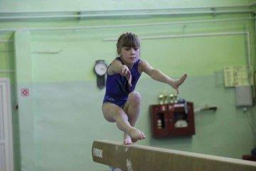 В Тюмени спортсмены соревновались в гимнастическом многоборье