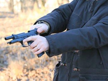В Тобольске именинник застрелил из пистолета одного из гостей