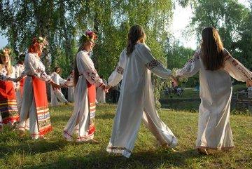 Во вторник тюменцы совершат литературные экскурсии и круизы